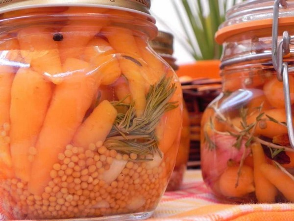 Cómo preparar encurtidos caseros. Zanahorias encurtidas