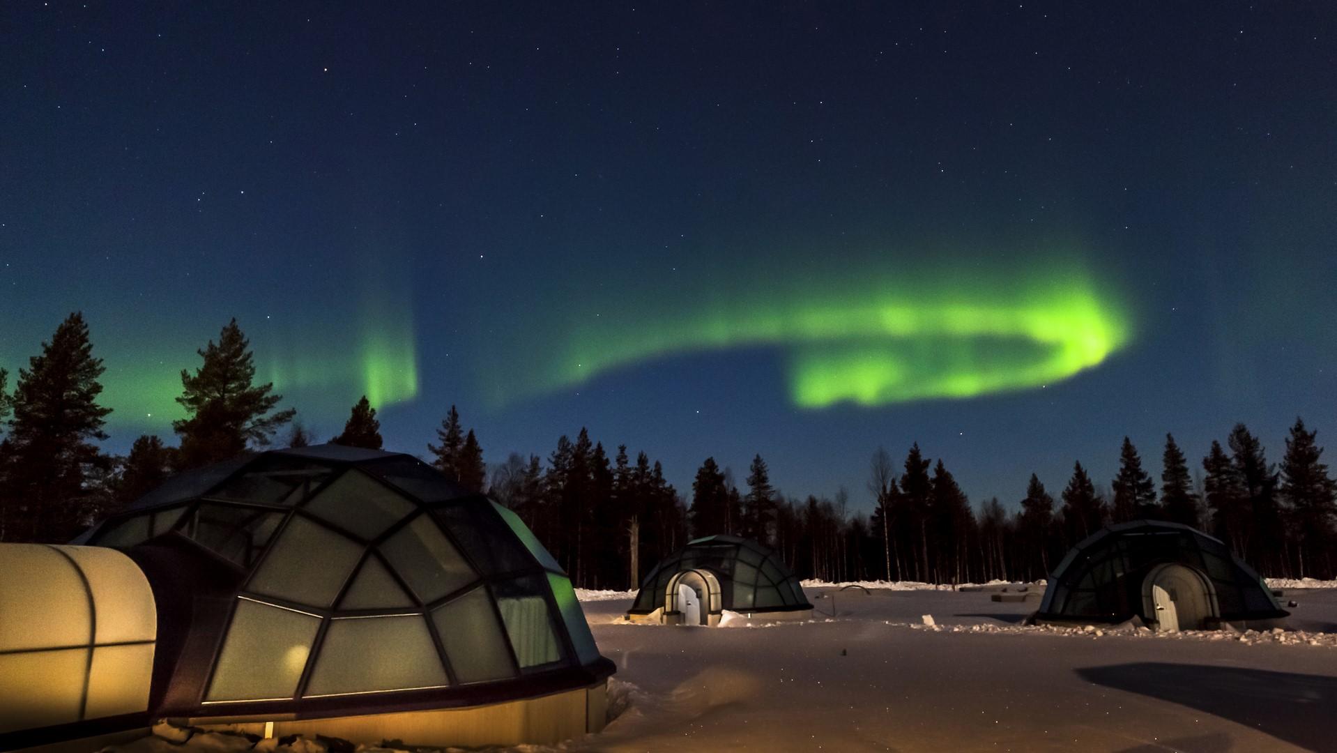 Aurora boreal ay